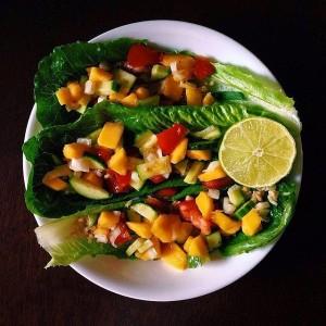 Even-fruit-tastes-good-lettuce-wraps